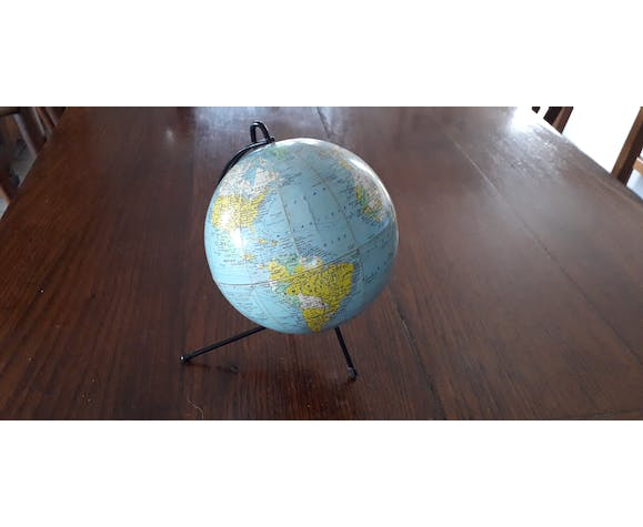 Tripod Earth Globe