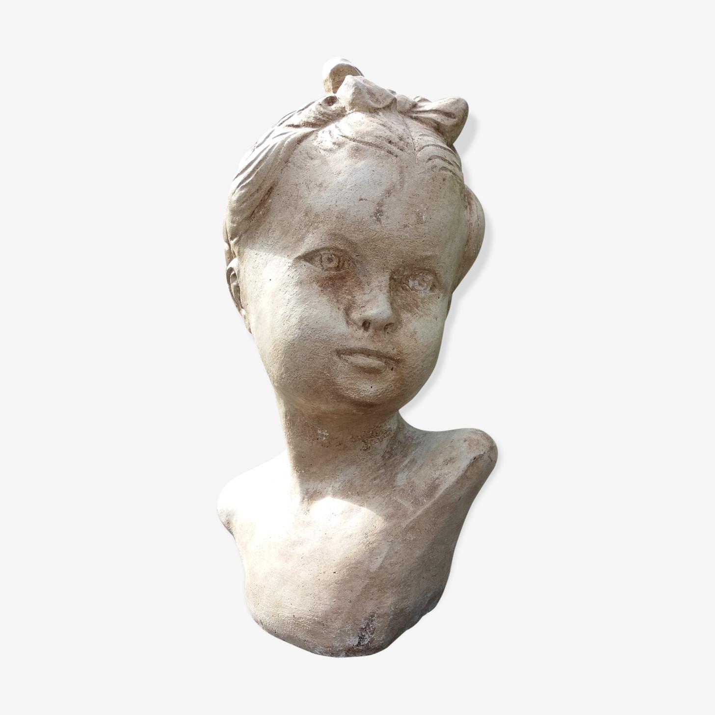 Buste de jeune fille en pierre