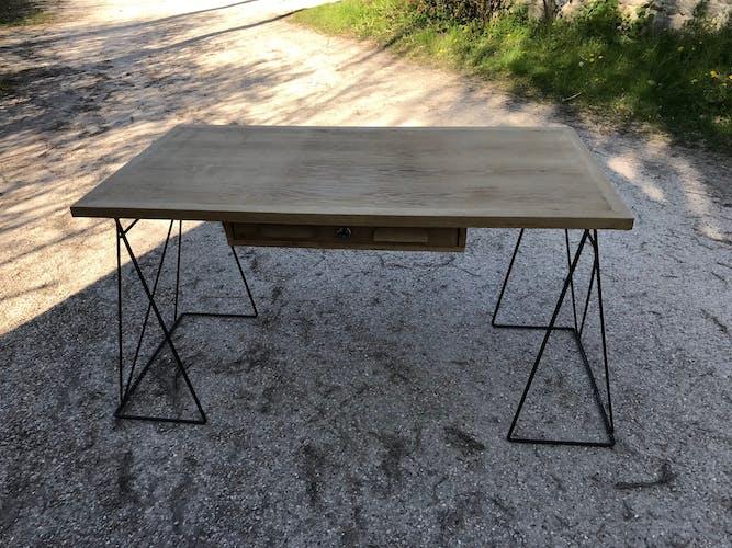 Bureau architecture dessin chêne et acier