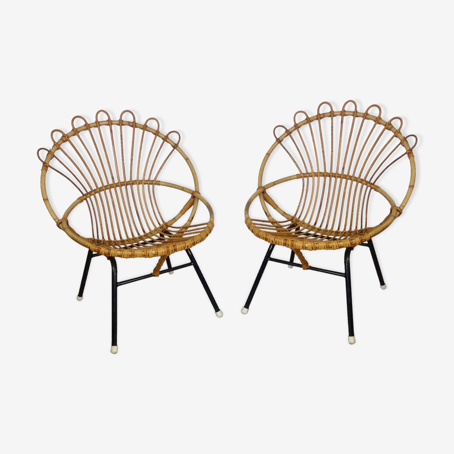 Paire de fauteuils en rotin avec piètement métal noir années 60