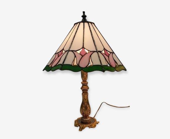 Lampe Tiffany En Vitrail Et Bronze Dore Cisele Style Art Deco