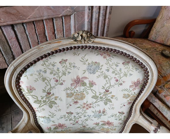 Paire de fauteuils cabriolets Louis XV floral