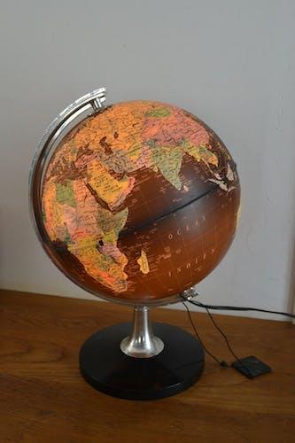 Globe terrestre lumineux mappemonde lampe années 70