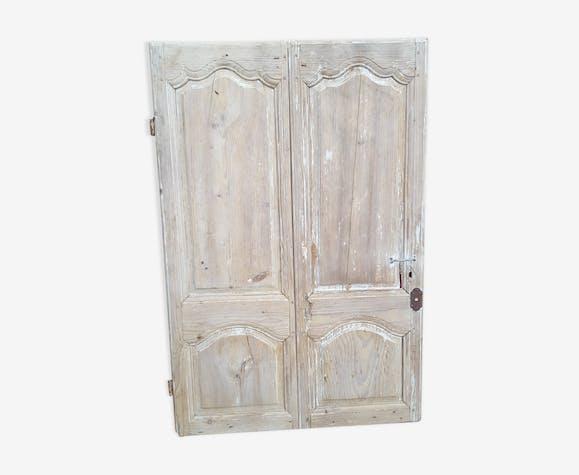 Porte ancienne XVIIIème à deux vantaux moulurés