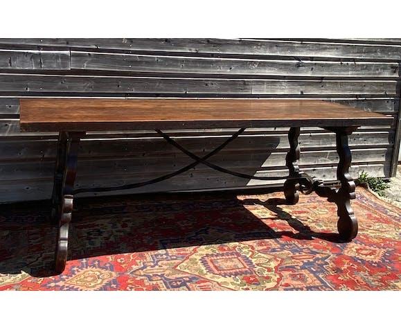 Table espagnole en noyer d'époque XIX eme