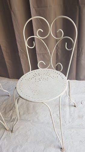 Chaises anciennes de jardin
