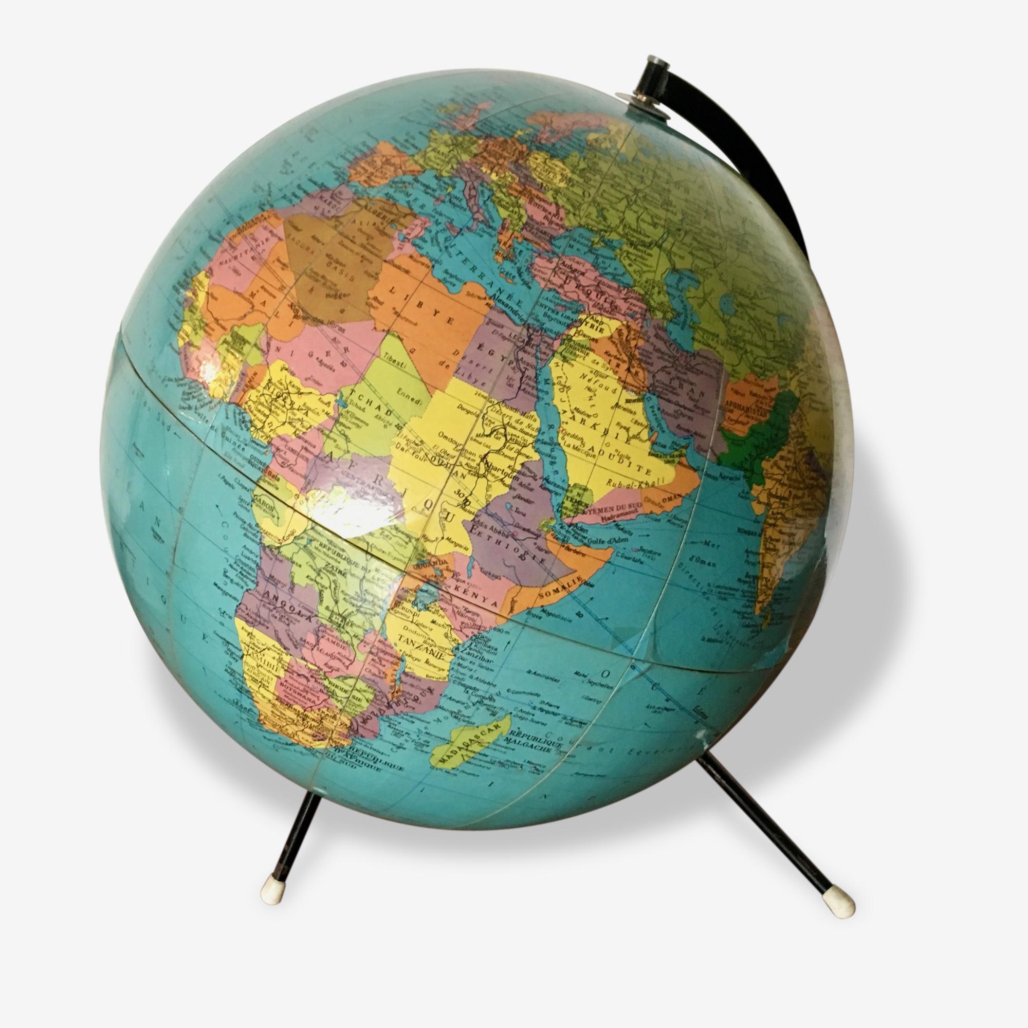 Globe terrestre tripode vintage