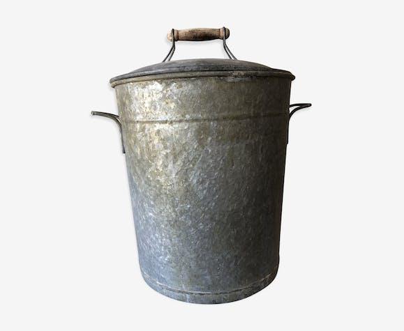 Cache pot en zinc