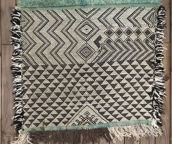 Tapis berber zanafi / ait ouaouzguite 200x110 cm