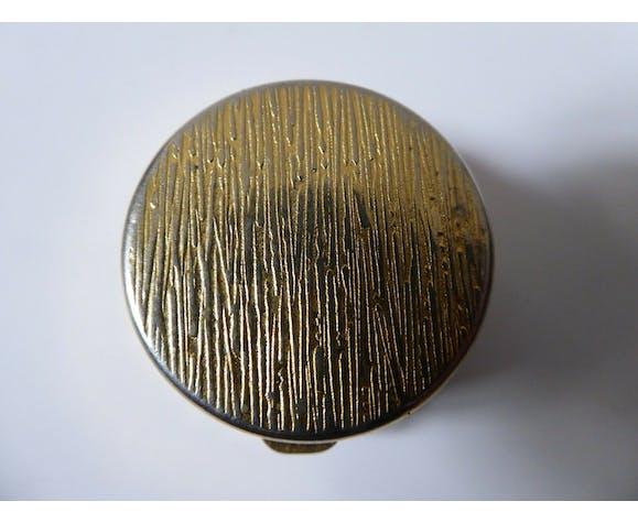 Boîte à pilules en métal doré