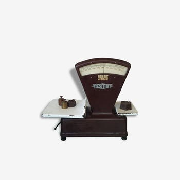 balance ancienne marron vous cherchez la pi ce unique elle est ici. Black Bedroom Furniture Sets. Home Design Ideas