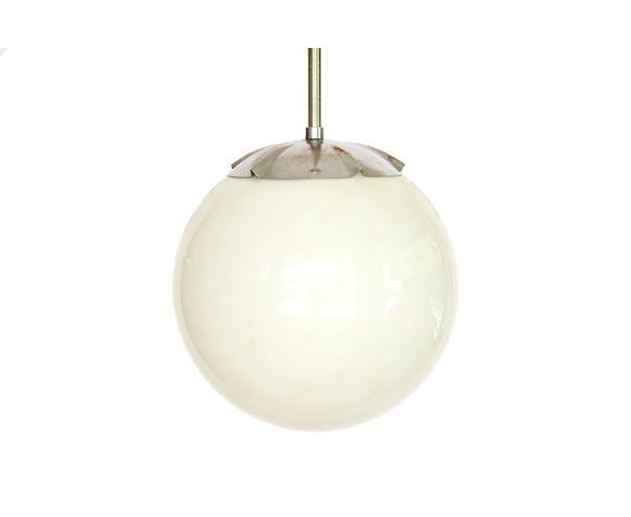 Suspension en métal chrome avec globe de verre d'opaline, Suède des années 1950