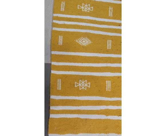 Tapis kilim jaune et blanc fait main