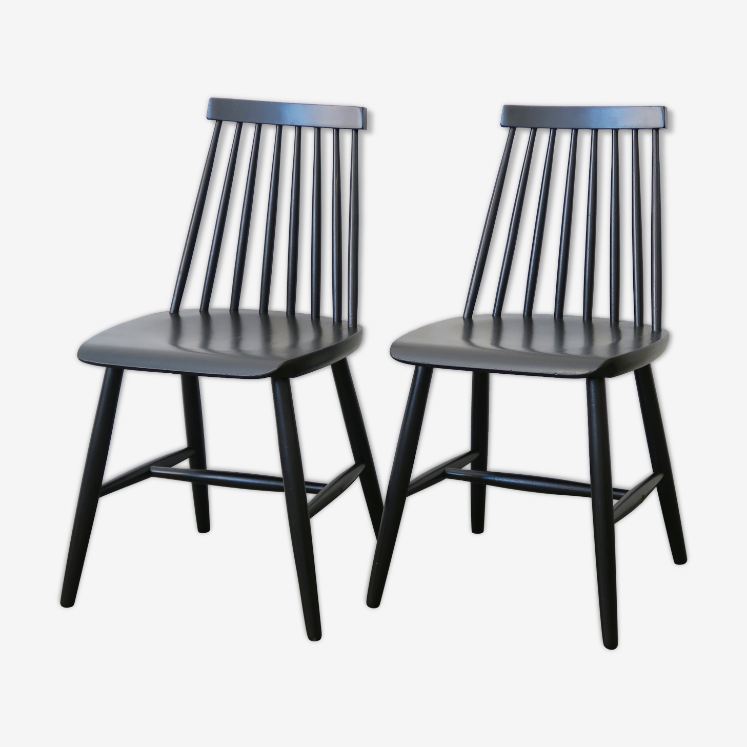 """Paire de chaises """"Fanett"""" d'Ilmari Tapiovaara"""