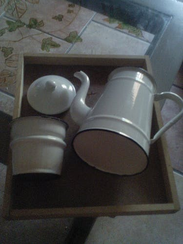 Cafetiere émaillée bleu et blanc