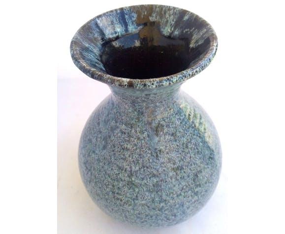 Vase bleu de la poterie d'Accolay