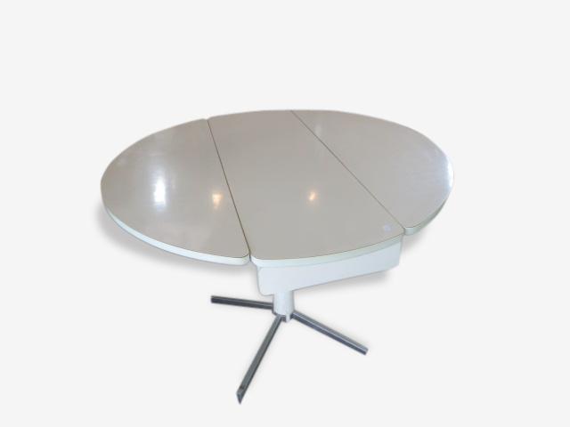 Table ronde en formica