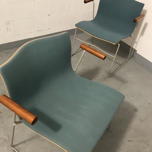 Paire de fauteuils empilables modèle «Handkerchief» Massimo et Lella Vignelli pour Knoll