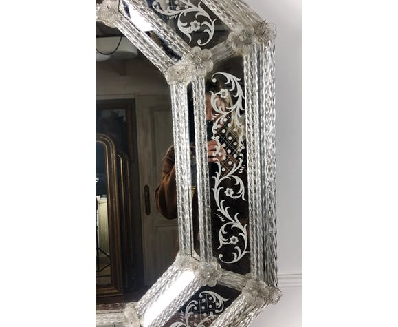 Venetian mirror to parecloses of the 1930s Murano glass 52 x 43 cm