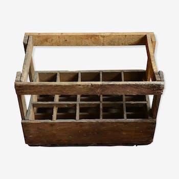 Ancienne caisse à bouteilles en bois