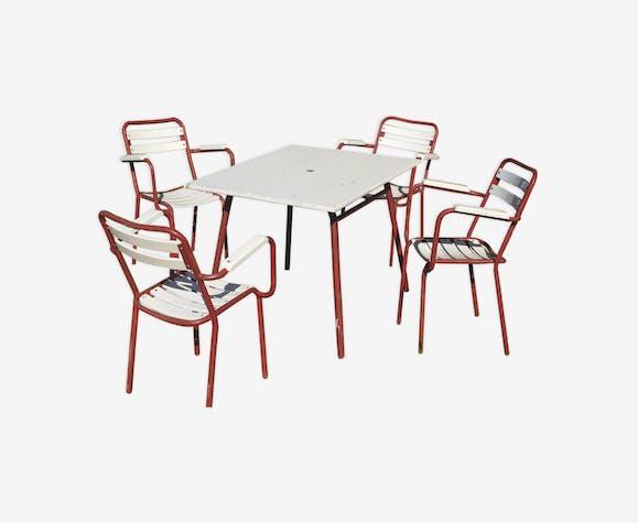Salon de jardin, table et 4 fauteuils - métal - rouge - industriel ...
