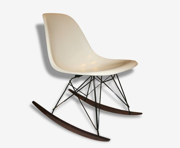 chaise bascule rocking chair blanche eames miller bois. Black Bedroom Furniture Sets. Home Design Ideas