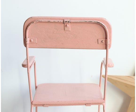 Chaise enfant en bois et métal peints en rose