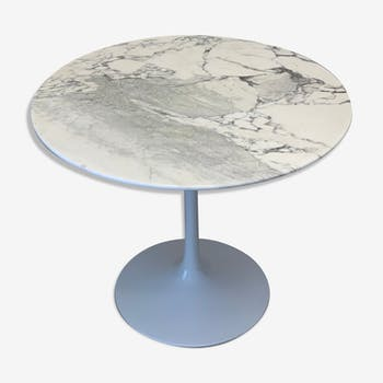 Round Tulip dining table in marble Carrera by Saarinen for Knoll International, 1970s