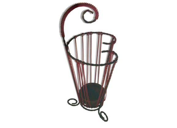 porte parapluie vintage tripode scoubidou fer rouge vintage 135480. Black Bedroom Furniture Sets. Home Design Ideas