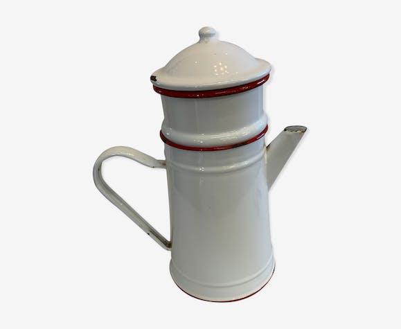 Cafetière émaillée