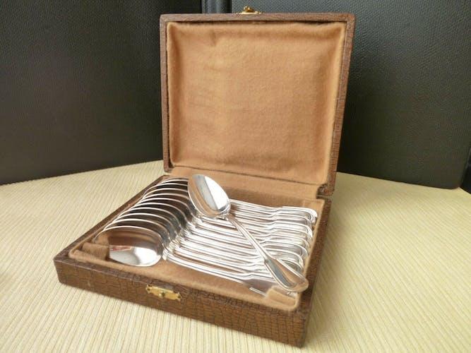 Coffret de 12 cuillères à café en métal argenté