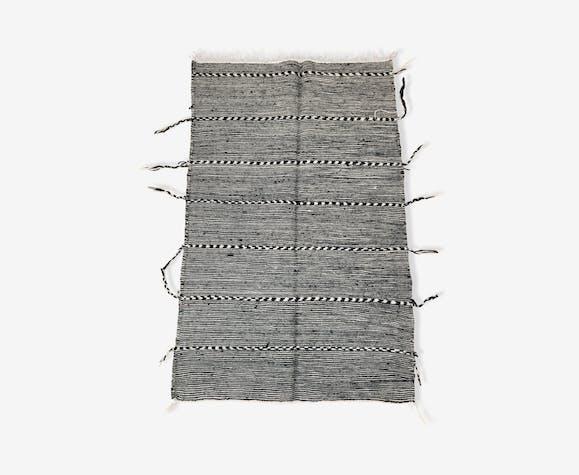 Tapis berbère marocain Kilim Zanafi noir et blanc 1,48x0,96m