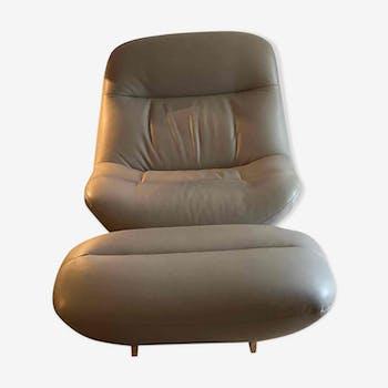 Lot d'un fauteuil et pouf cuir ou repose pied modèle Manarola designer Philippe Nigro