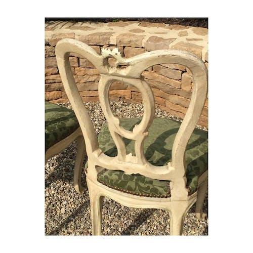 Paire de chaises laquées style Louis XV