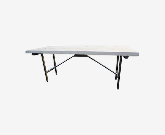 Table industrielle