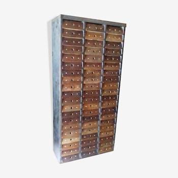 Meuble industriel Clem 60 tiroirs format A4 façade en noyer rivetée