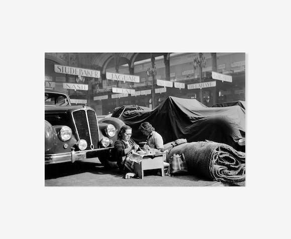 Préparatifs du salon de l'automobile au Grand Palais
