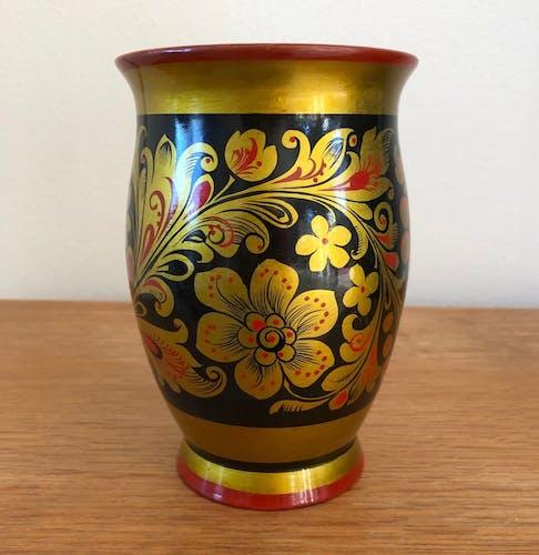 Vase russe en bois peint Khokhloma