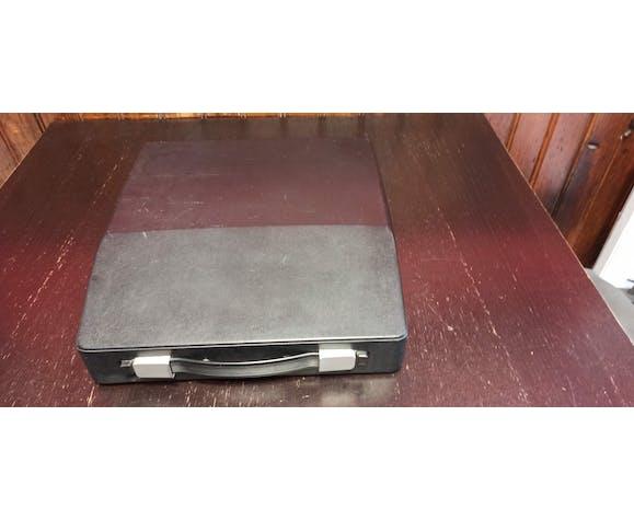Machine à écrire Silver-reed modèle Silverette II