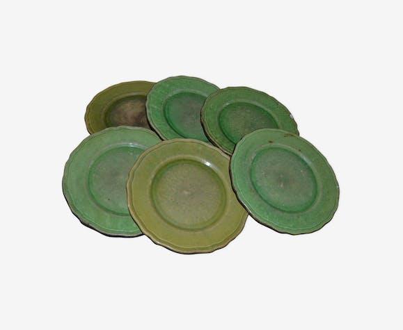 Série de 6 assiettes en faïence à glaçure verte, Provence , France, fin du XIX ème siècle