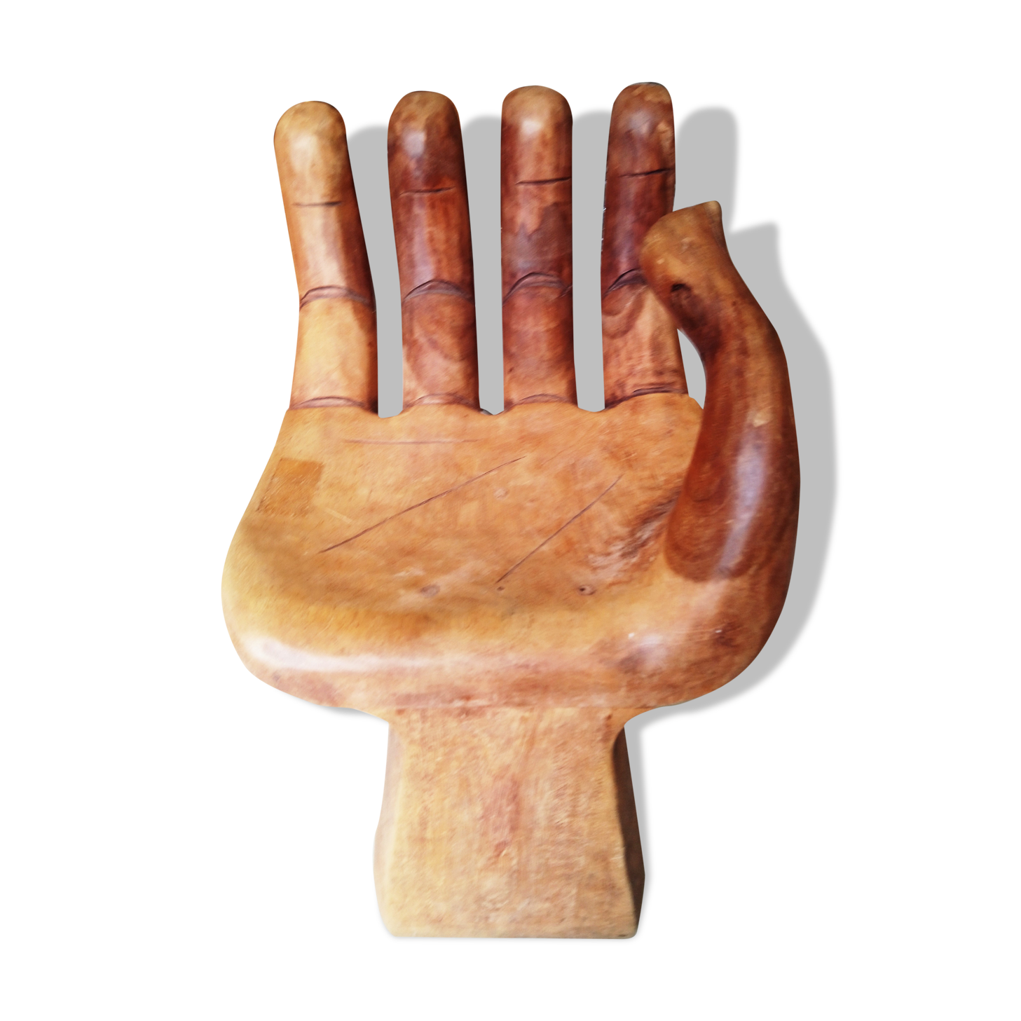 Stool shaped like a hand in wood : chair that looks like a hand - Cheerinfomania.Com