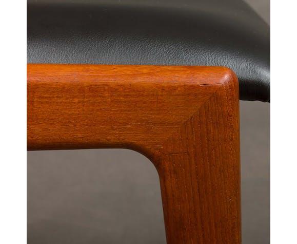 Chaise en teck Erik Kirkegaard modèle 49 en cuir noir