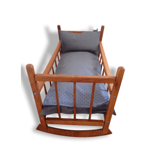 lit de poup e bascule dejou et linge de lit gris bois mat riau gris vintage 14627. Black Bedroom Furniture Sets. Home Design Ideas