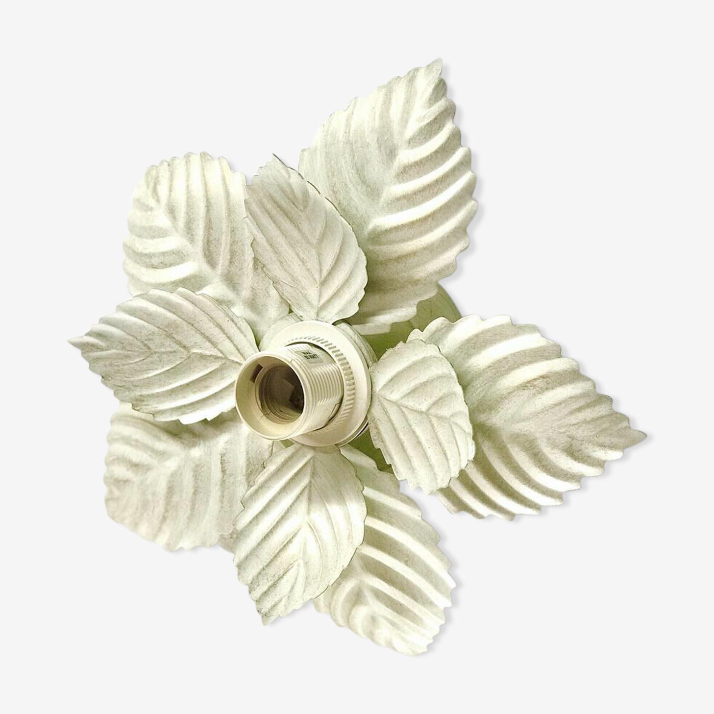 Applique fleur blanche patine dorée