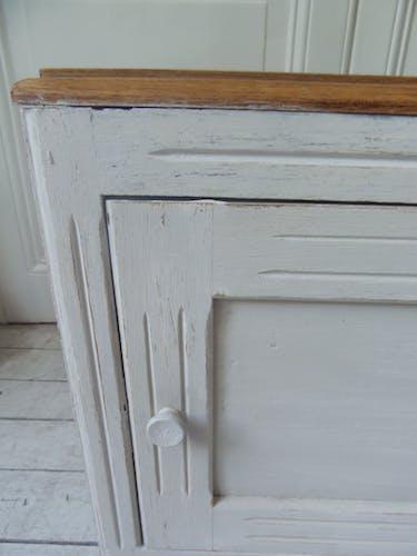 Meuble de rangement chevet bout de canapé patiné gris perle,  plateau chêne.
