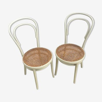 Bistro chairs in rattan and canning