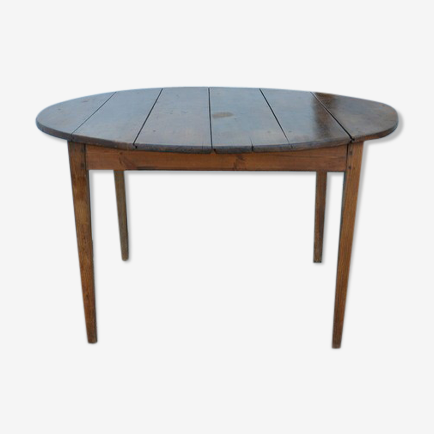 Round table sets