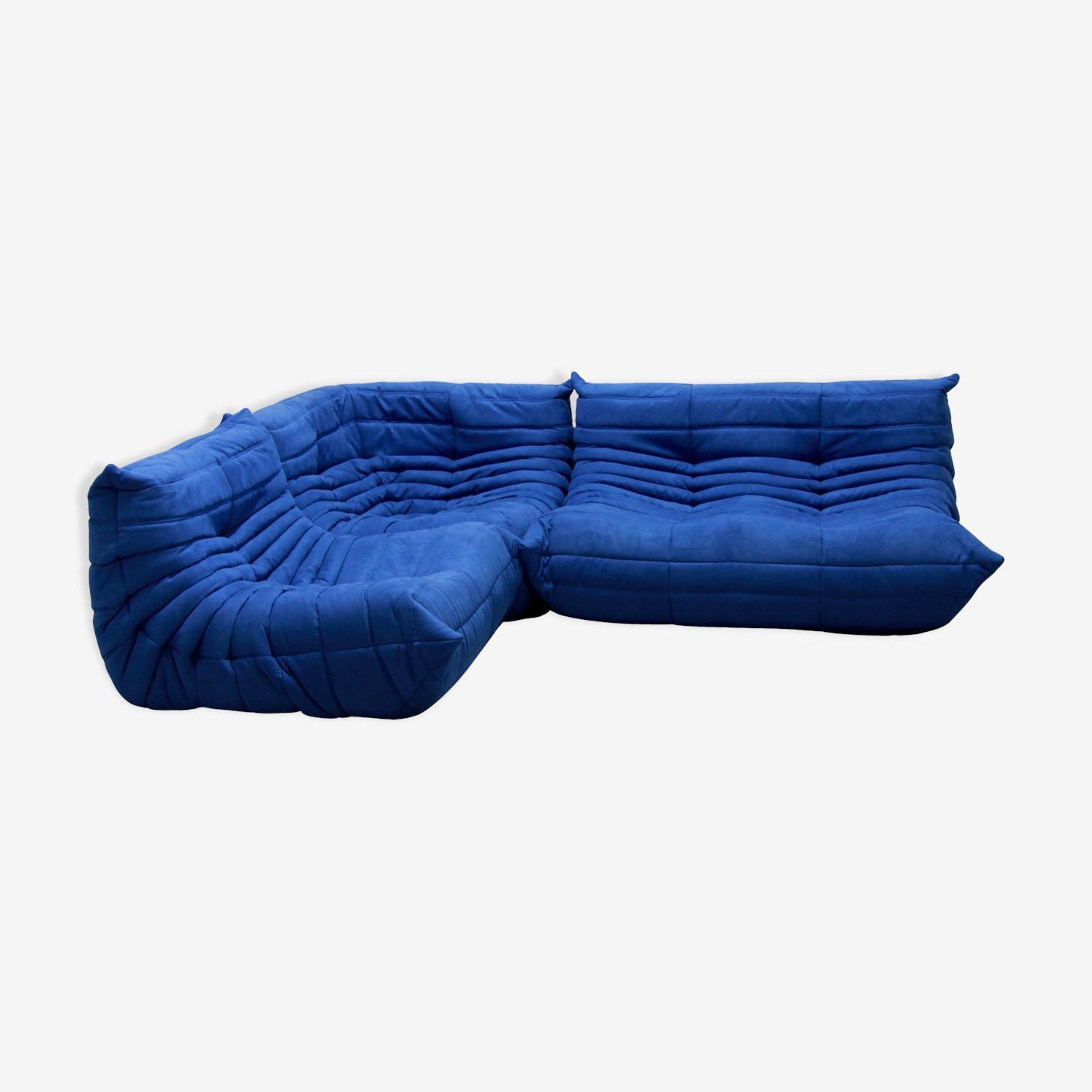 """Set de canapé """"Togo"""" en microfibre bleu par Michel Ducaroy pour Ligne Roset"""