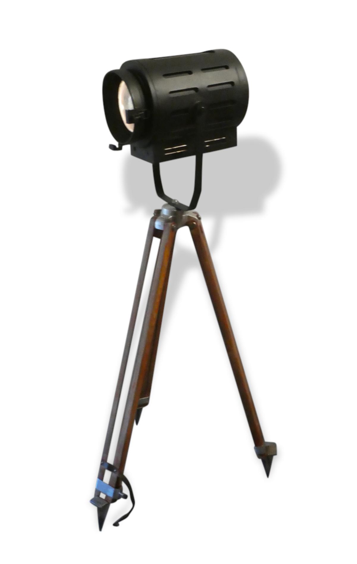 Lampadaire projecteur de cinéma