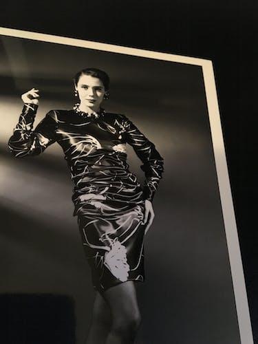 """Illustration de mode Paco Rabanne """"collection été 1991 """" et photographie Harcourt vintage"""